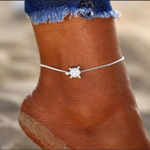Jewelry - SUPER CUTE SILVER TURTLE ANKLET